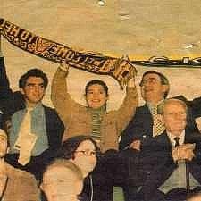 1998: Η βασιλική οικογένεια κοντά στην ομάδα μπάσκετ της ΑΕΚ