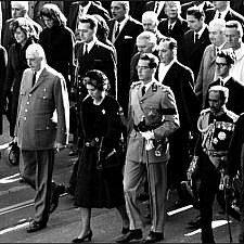 Δημοκρατία: Προεδρευομένη, Προεδρική, Βασιλευομένη
