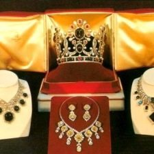 Περσικοί Θησαυροί σαν από παραμύθι της Ανατολής: Διαμάντια, ζαφείρια, σμαράγδια και ρουμπίνια