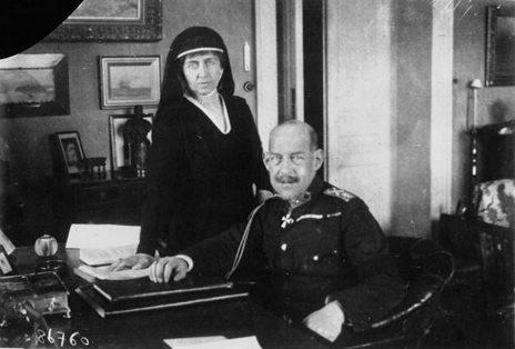 Con+++Sophie+1921