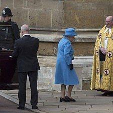 Η βασίλισσα Ελισάβετ στο Κάστρο του Γουίνδσορ για την Κυριακάτικη Λειτουργία του Πάσχα