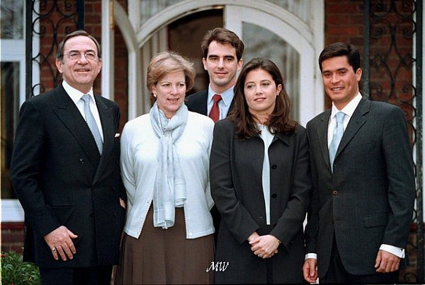 20 Mar 1999 --- L. to r. King Constantin, Queen Anne Marie, Prince Nicoloas, Princess Alexia & her fiance Carlos. --- Image by © BEIRNE BRENDAN/CORBIS SYGMA