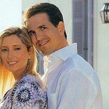 Αύγουστος 2004: Ο Παύλος και η Μαρί Σαντάλ φωτογραφίζονται στην διάρκεια των Ολυμπιακών Αγώνων