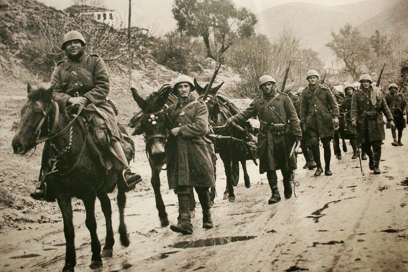 ΕΠΟΣ ΤΟΥ 1940 ΤΙΜΗ ΚΑΟ ΔΟΞΑ ΣΤΟΥΣ ΝΕΚΡΟΥΣ ΜΑΣ