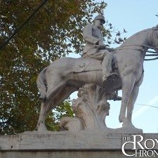 Ο έφιππος ανδριάντας του βασιλιά Κωνσταντίνου Α′ στην Θεσσαλονίκη