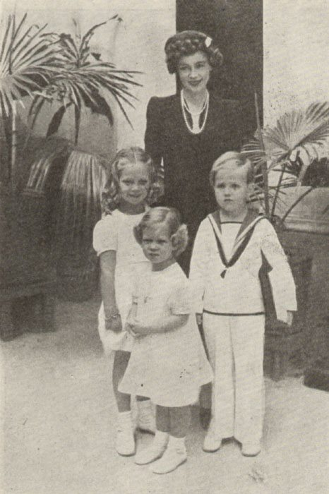 Alexandria. Princess Frederica with children