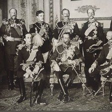 Εννέα Βασιλείς σε μια σπάνια φωτογραφία του 1910