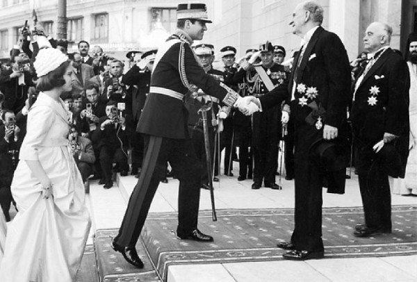 Βασιλιάς Κωνσταντίνος και Γεώργιος Παπανδρέου πριν την κρίση