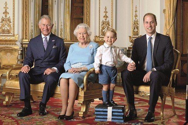 Queen-Elizabeth-90