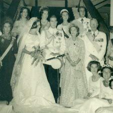 Πρωτοσέλιδα περιοδικών από τους βασιλικούς γάμους Κωνσταντίνου – Άννας Μαρίας