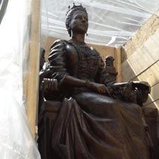 Τοποθετήθηκε το άγαλμα της βασίλισσας Όλγας στην Θεσσαλονίκη